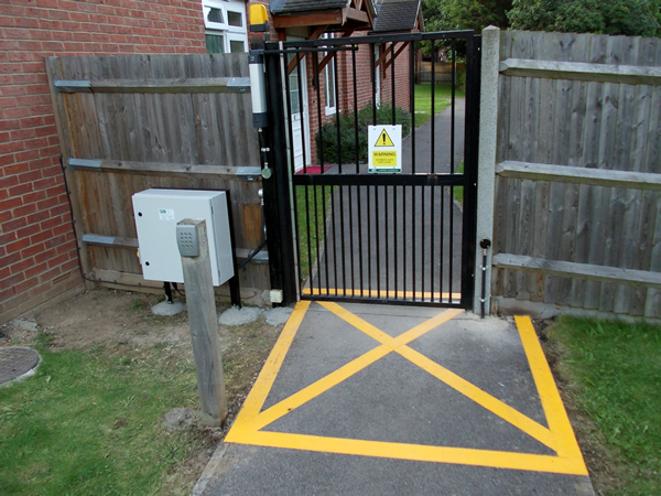 steel_pedestrian_gate_and_automation_supplied_and_installed_20121107_1119779510
